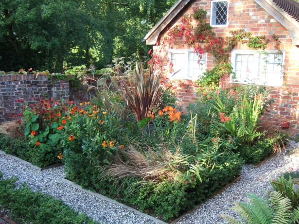 Simple Landscape Ideas - Parterre Garden Flower Beds